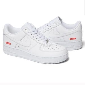 NEW! SUPREME NIKE AIR FORCE 1 LOW SNEAKERS